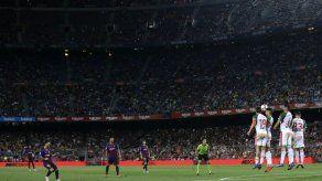 Doblete de Messi guía triunfo del Barcelona ante Alavés