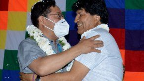 Arce se encuentra por primera vez con Morales desde su retorno a Bolivia