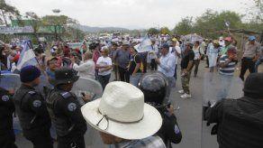 Policía bloquea marcha campesina contra el Canal en Nicaragua