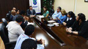 Administrador de ASEP se reúne con avicultores y dueños de restaurantes por fluctuaciones