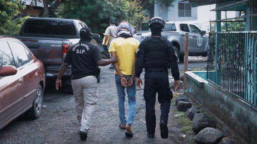 Doce personas vinculadas a pandillas fueron aprehendidas tras diligencias realizadas en Boca la Caja.