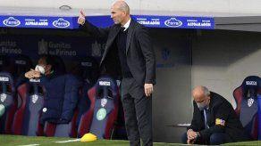 Zidane se siente respaldado pero deja planear la duda sobre su futuro