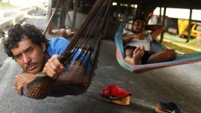 Camioneros centroamericanos varados en Nicaragua esperan fin de protestas