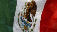 La pregunta de la consulta ha sido un intenso tema de debate en México, puesto que en un inicio proponía enjuiciar a Carlos Salinas de Gortari, Ernesto Zedillo, Vicente Fox, Felipe Calderón y Enrique Peña Nieto.