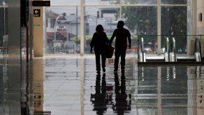 Encuestadora revela que el 50% de los panameños ha tenido que usar casi todos sus ahorros