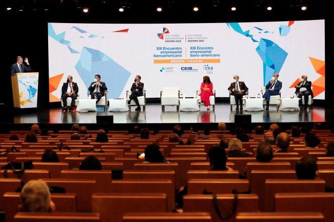 El rey Felipe VI ofrece un discurso durante el XIII Encuentro Empresarial Iberoamericano