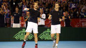 Los Murray mantienen con vida a Gran Bretaña en Copa Davis