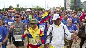 Santos recibe fuertes abucheos en carrera de homenaje a militares en Bogotá