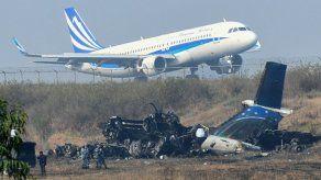 Nepal trabaja en la identificación de los fallecidos en el accidente de avión