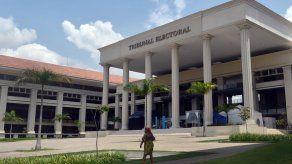 Publican lista de precandidatos del PRD que no entregaron informe de gastos