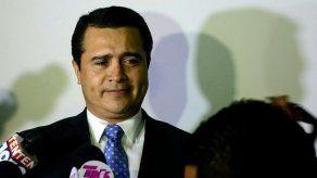 Juez de EEUU condena a cadena perpetua al hermano del presidente de Honduras por narcotráfico
