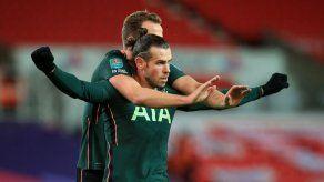 Bale y Kane llevan al Tottenham a semifinales de Copa de la Liga