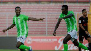 Tauro sigue su paso perfecto; Alianza ganó su primer partido