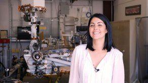 Duque condecora a ingeniera de la NASA Diana Trujillo con la Cruz de Boyacá