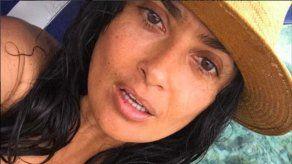 Salma Hayek en la playa