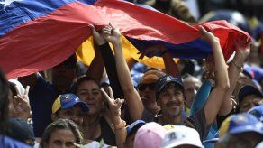 España concede permiso de residencia a 400 venezolanos por razón humanitaria
