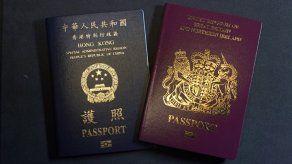 Miles de habitantes de Hong Kong emigran a Gran Bretaña