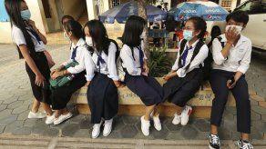 Reabren las escuelas en Camboya