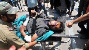 Autobús cae por desfiladero en Cachemira