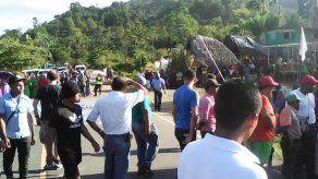 Reabren vía en Bocas del Toro