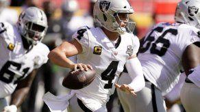 Raiders ponen fin a racha de triunfos de los Chiefs