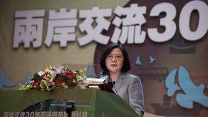 China pide a EEUU que no permita a presidenta Tsai una escala en Hawai y Guam