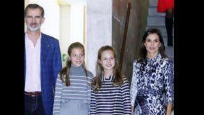 Victoria Beckham alaba a la reina Letizia por recurrir a uno de los vestidos de su firma