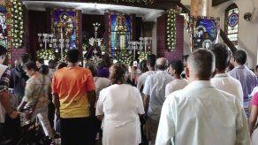 Devotos agradecen este Miércoles de Ceniza los favores concedidos por el Cristo de Atalaya