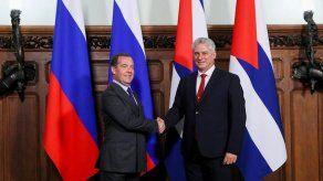 Díaz-Canel se reúne con Medvédev para desarrollar y reforzar la cooperación
