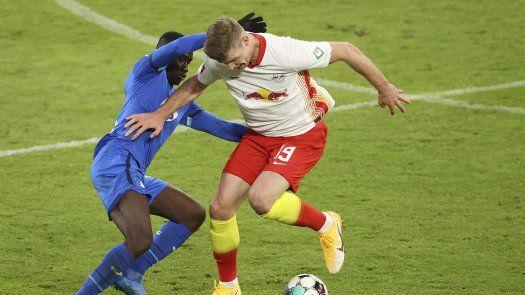 Leipzig no pudo acercarse al Bayern tras intervención del VAR
