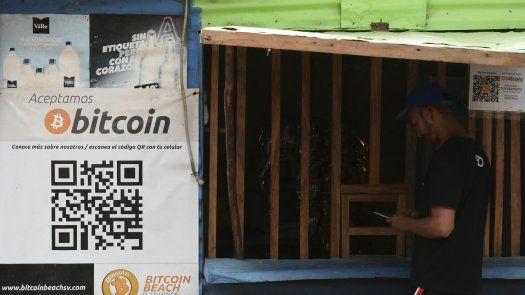 Desde hace dos años el bitcoin es utilizado por muchos en El Zonte en la costa de El Salvador, para transacciones comerciales o para pagar servicios básicos como el agua o la energía.