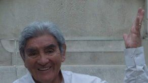 Poeta y periodista Coco Manto gana premio Nacional de Culturas en Bolivia