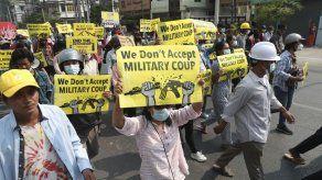 Junta militar de Myanmar declara ley marcial