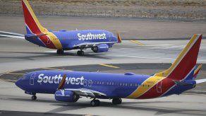 Problemas con avión de Boeing afectan a aerolíneas de EEUU
