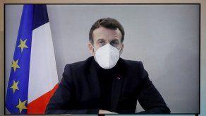 Macron ya no tiene síntomas de covid-19 y sale del aislamiento