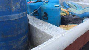 Incautan bultos con supuesta sustancia ilícita en una lancha en Veracruz