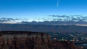 Vista espectacular de cometa al pasar cerca de la Tierra
