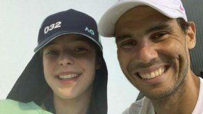 Rafa Nadal presenta a su nueva amiga Anita Birchall en las redes sociales