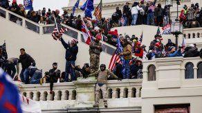 Biden exige a Trump que salga en televisión y zanje el asedio al Capitolio