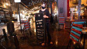 Bruselas cierra cafés y bares por un mes a partir del jueves