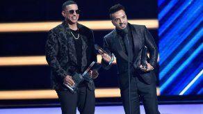 El fenómeno Despacito se corona en los premios Billboard latinos