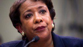 Fiscal general de EEUU enfrenta duras preguntas sobre Clinton en el Congreso