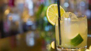 Por qué no debes comprar bebidas que vienen con rodajas de limón