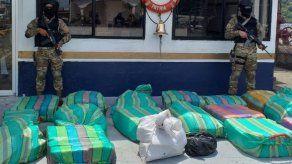 Decomisan 616 paquetes de droga y detienen a tres colombianos en Panamá