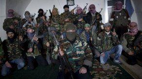 Siria: Reportan cruentos choques entre rebeldes y soldados