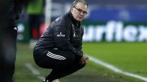 Leeds de Bielsa abre hueco con el descenso tras ganar 1-0 al Burnley