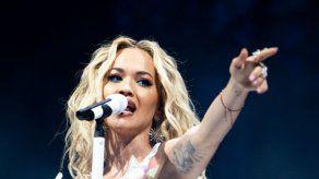Rita Ora recibe una multa de 13.000 dólares por saltarse el confinamiento en Londres