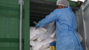 Aupsa decomisa carga fraudulenta de leche en polvo en contenedor