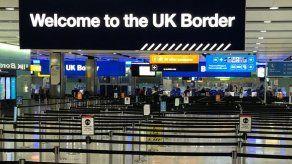 El Reino Unido veta los vuelos desde Portugal