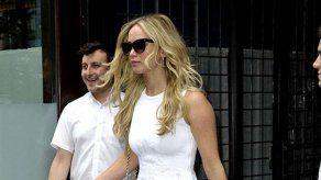 Jennifer Lawrence está furiosa con Chris Martin por presumir de novia